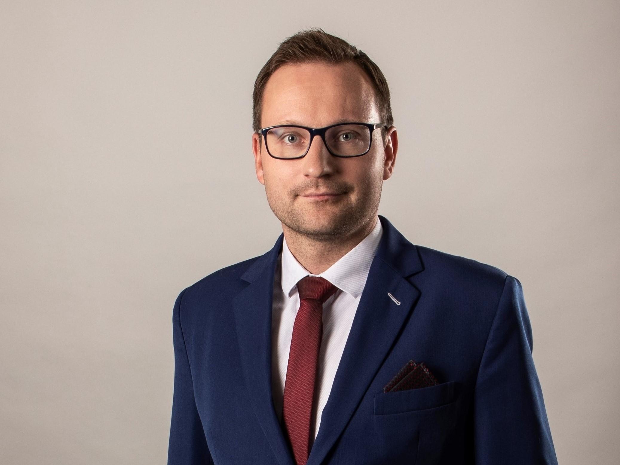 г-н Андрей Гыршл
