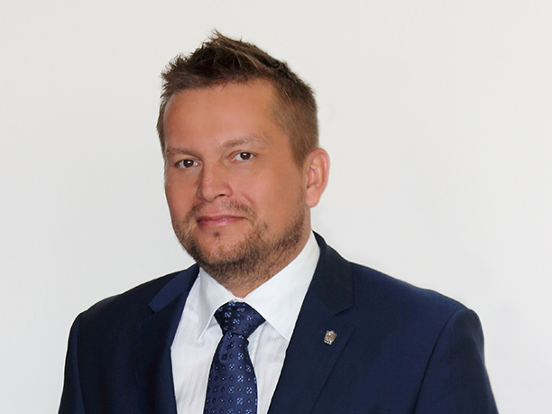 г-ин Томаш Гебелка